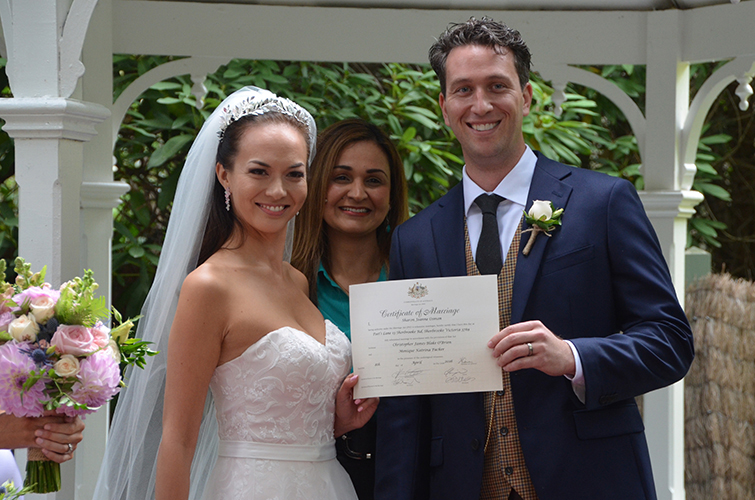 wedding celebrant glen waverley