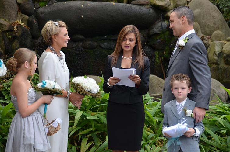 wedding celebrant melbourne suburbs