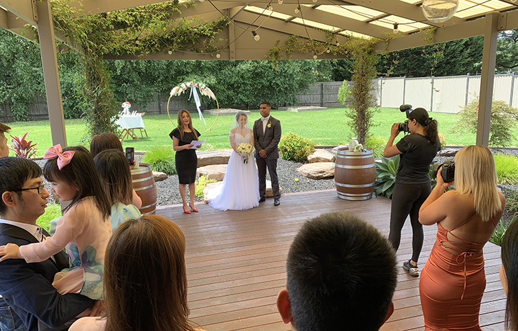 melbourne back yard wedding marriage celebrant